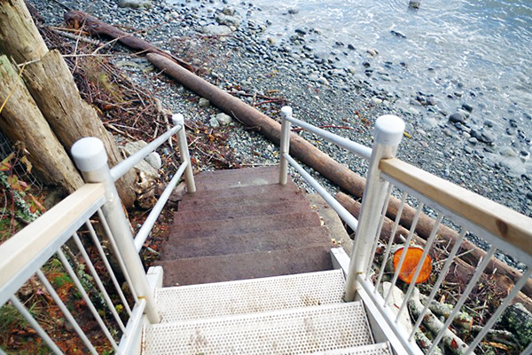 shoreline-design-metal-stairs-010