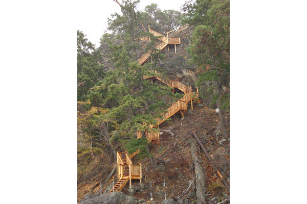 shoreline-design-wood-stairs-007