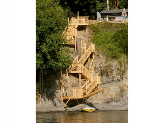 shoreline-design-wood-stairs-011