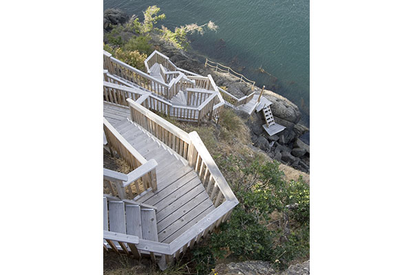 shoreline-design-wood-stairs-017