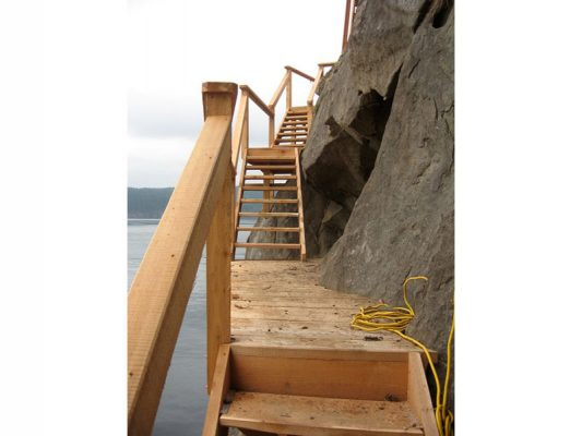 shoreline-design-wood-stairs-024
