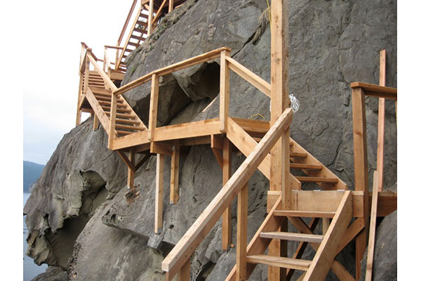 shoreline-design-wood-stairs-034