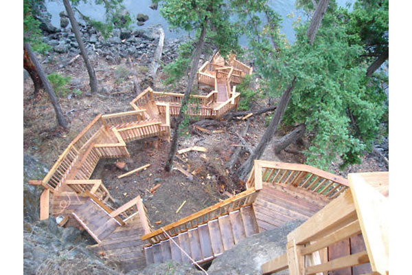 shoreline-design-wood-stairs-035