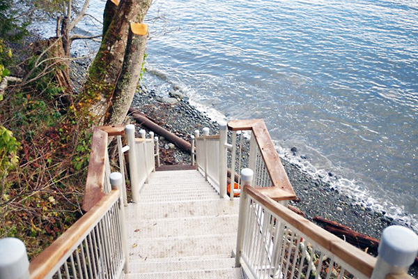 shoreline-design-metal-stairs-005