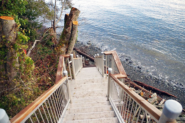 shoreline-design-metal-stairs-006