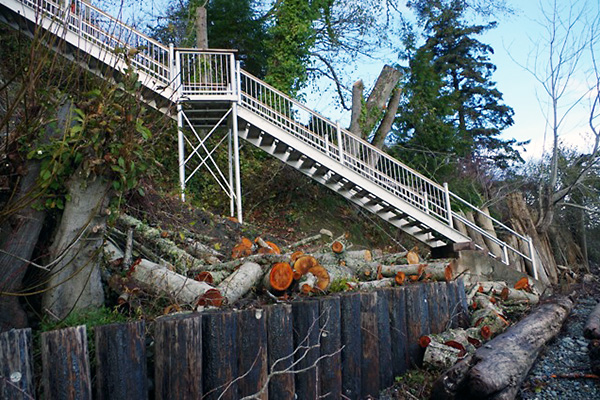 shoreline-design-metal-stairs-011
