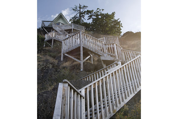 shoreline-design-wood-stairs-016