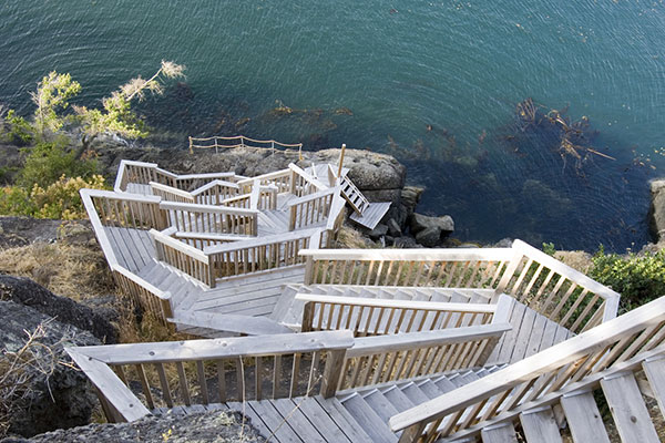 shoreline-design-wood-stairs-018