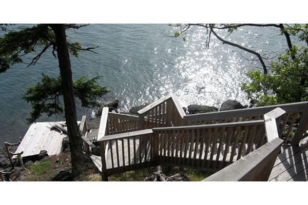 shoreline-design-wood-stairs-025