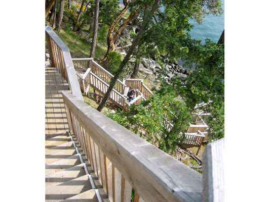 shoreline-design-wood-stairs-028