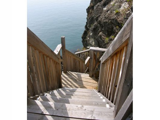 shoreline-design-wood-stairs-029