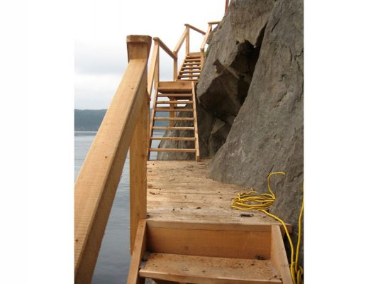 shoreline-design-wood-stairs-033
